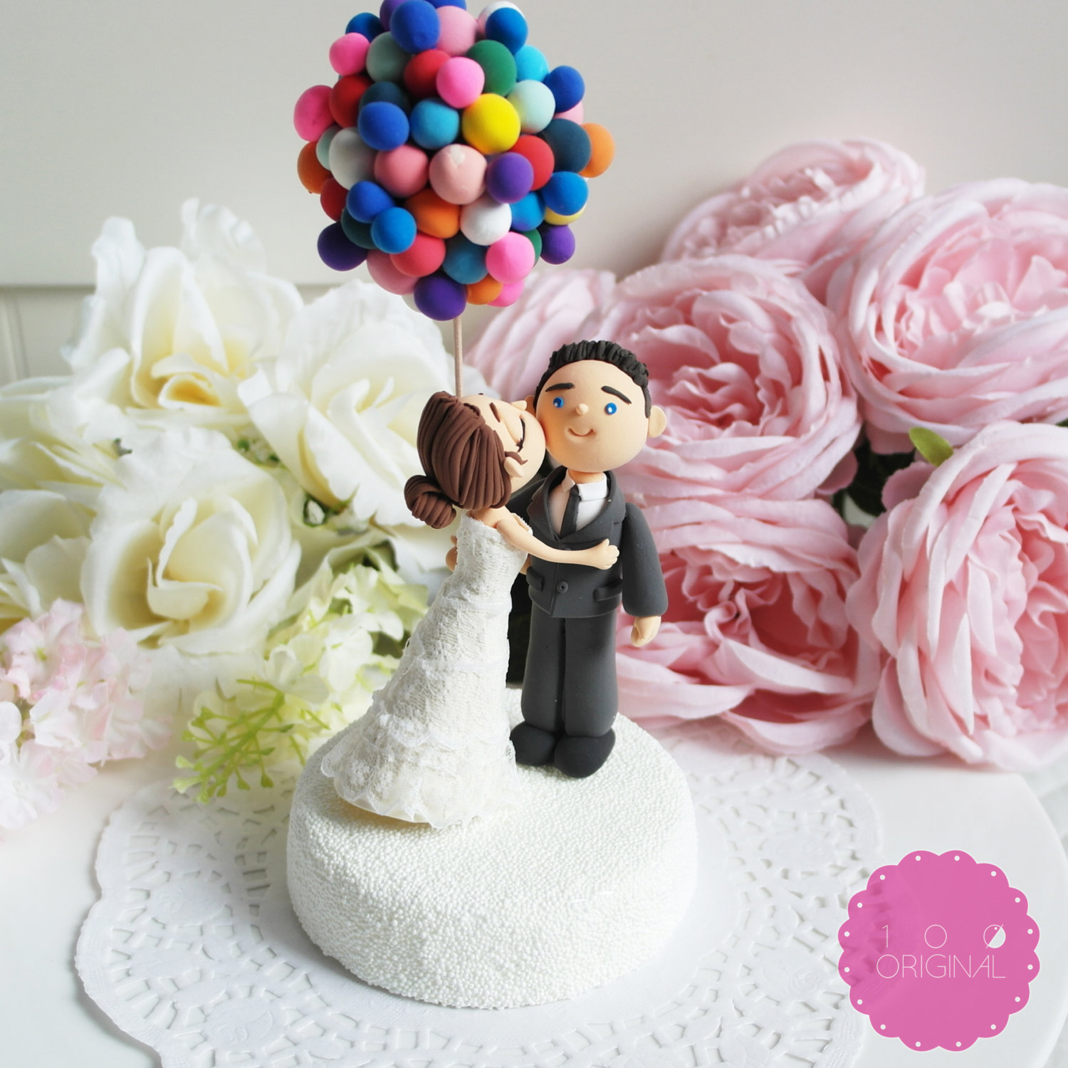 up themed cake topper - 9 Adorable Custom Made Cake Toppers via https://emmalinebride.com/decor/custom-made-cake-toppers/