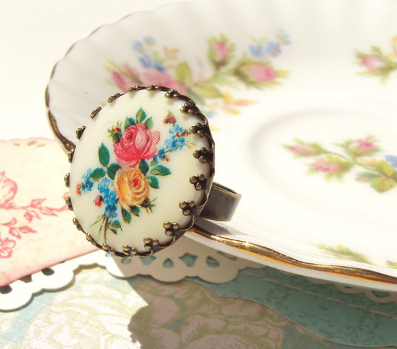 Vintage Floral Ring