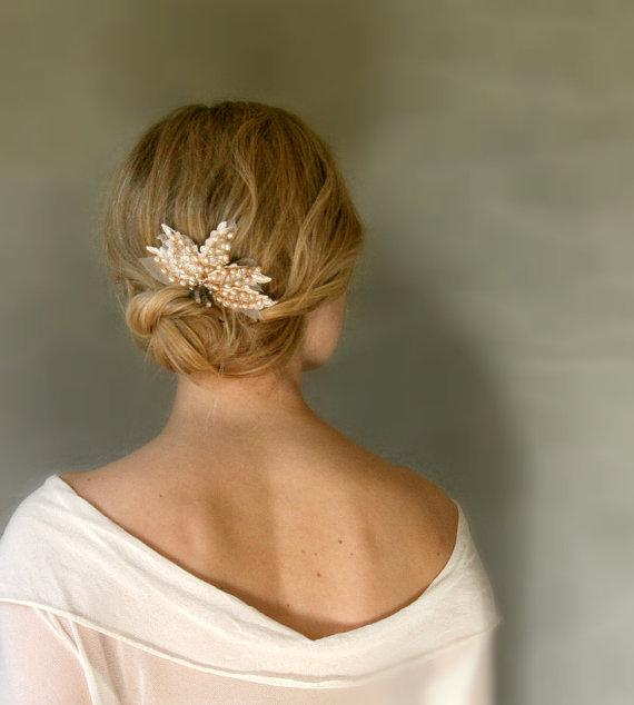 vintage inspired hair comb via 15 Stunning Wedding Veil Alternative Ideas