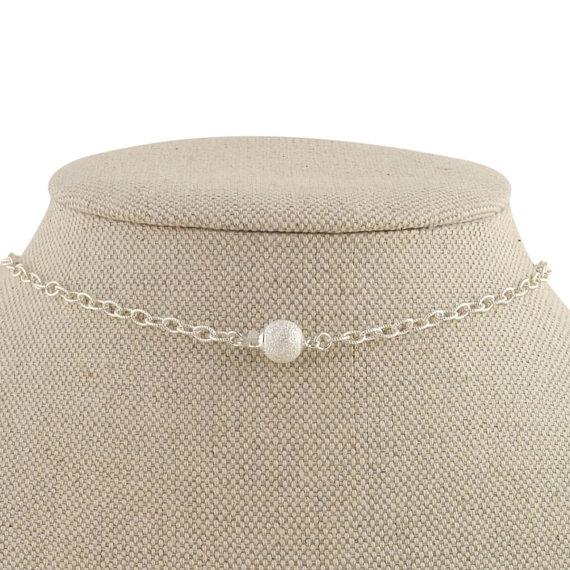 vintage inspired pearl necklace closure | pearl necklaces brides http://emmalinebride.com/bride/pearl-necklaces-brides/