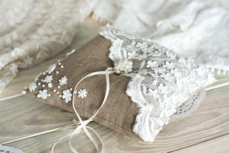 vintage ring pillows