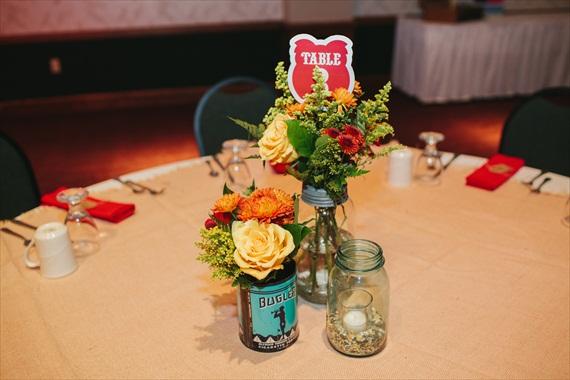 DIY Fall Wedding - Photo by Noelle Ann Photography - #vintage #tea #tin #centerpiece