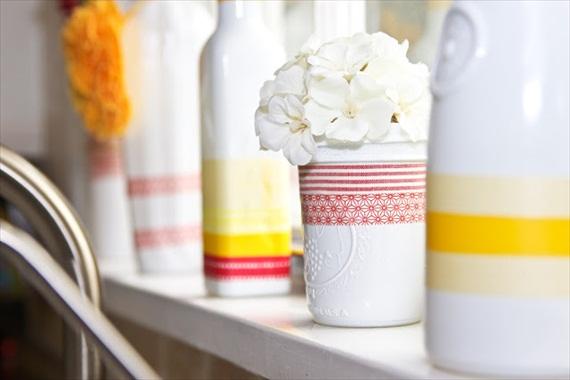 washi tape vases bottles via DIY Washi Tape Ideas