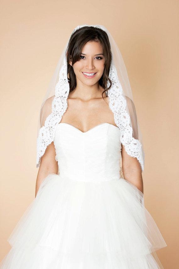 6 Ways to Wear a Veil via EmmalineBride.com (veil by Maria Aparicio)