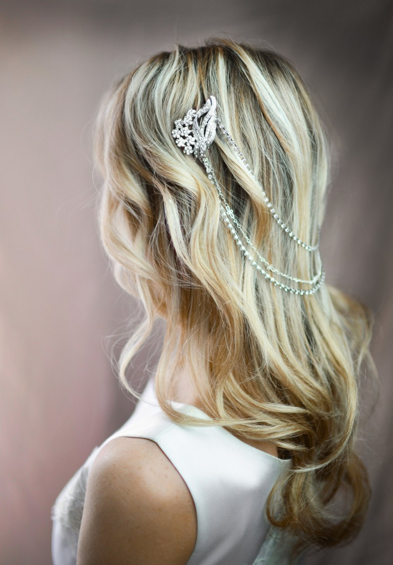 wedding hair chain - hair down | bridal hair chain | via https://emmalinebride.com/bride/bridal-hair-chain/