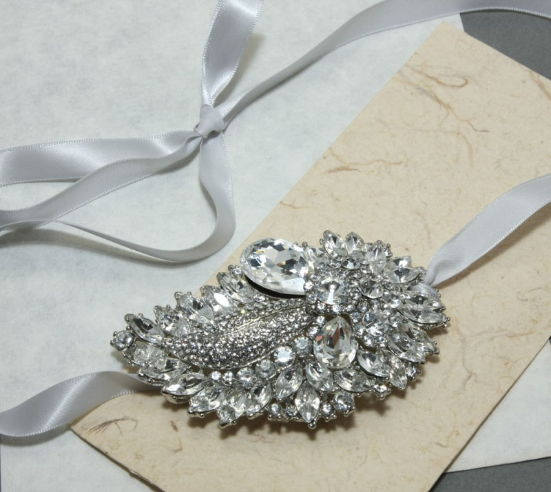 wedding necklace brooch