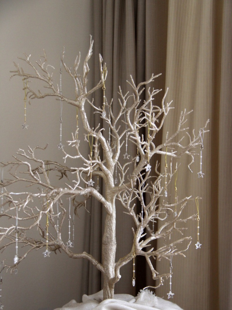 Wedding Wishing Trees | https://emmalinebride.com/decor/wedding-wishing-tree/