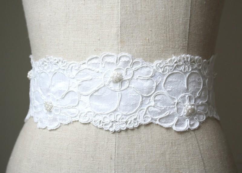 white sash made of lace and tulle | NEW Wedding Dress Sash Ideas via https://emmalinebride.com/bride/wedding-dress-sash-ideas/