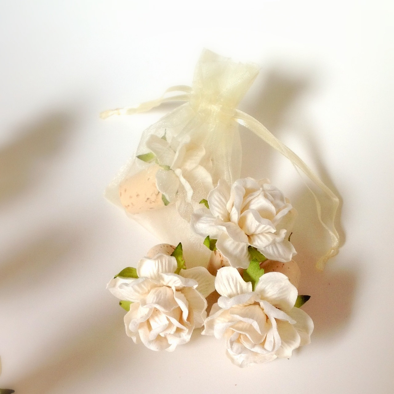 white flower - Wine Bottle Stopper Favors