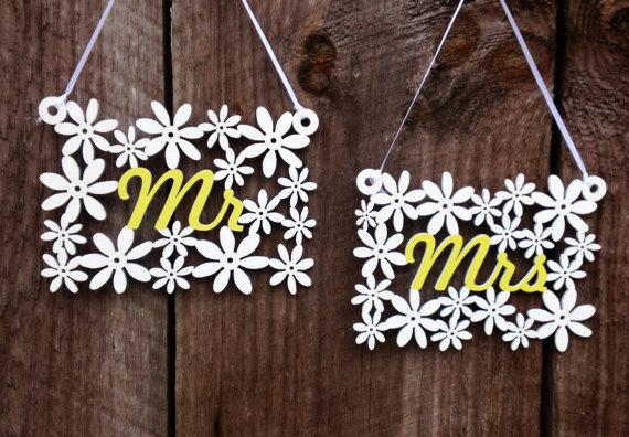 wood daisy chair signs | daisy ideas theme weddings