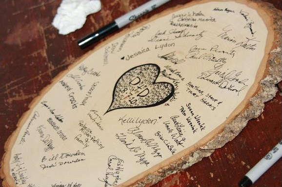 wood slice guest book | 50+ Amazing Mountain Wedding Ideas http://emmalinebride.com/rustic/mountain-wedding-ideas/