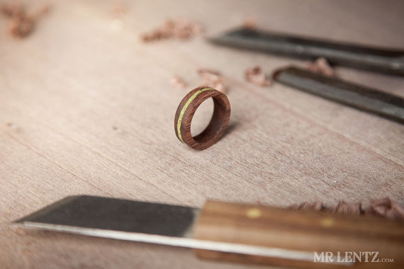 wood-wedding-rings