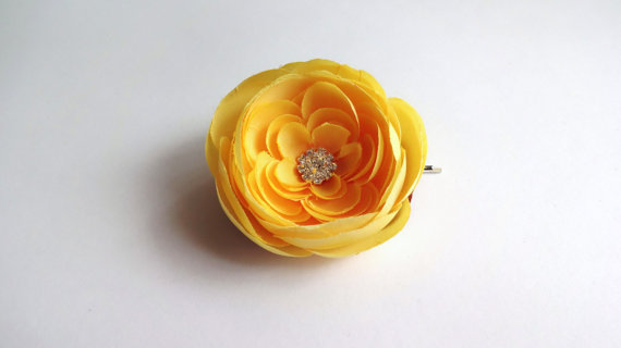 yellow ranunculus hair flower pin